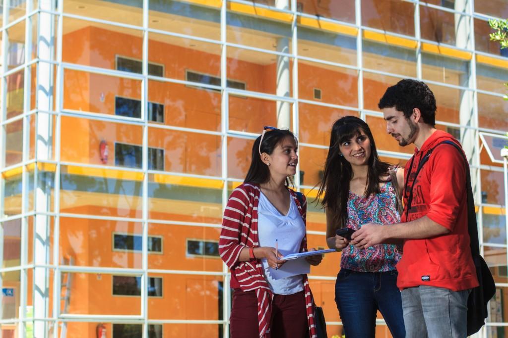 estudiantes campus miraflores ,Thursday 12, 12, 2013. (Noticias UACh / Universidad Austral de Chile, Alejandro Sotomayor)